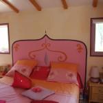 Tête de lit peinte sur mur